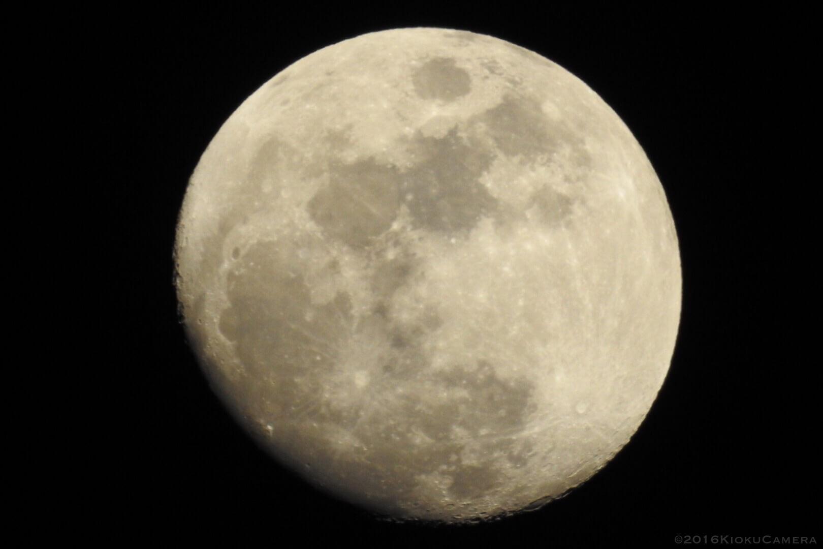 宇宙は美しくもあり、不思議でもあり、怖くもある。Nikon P900と。