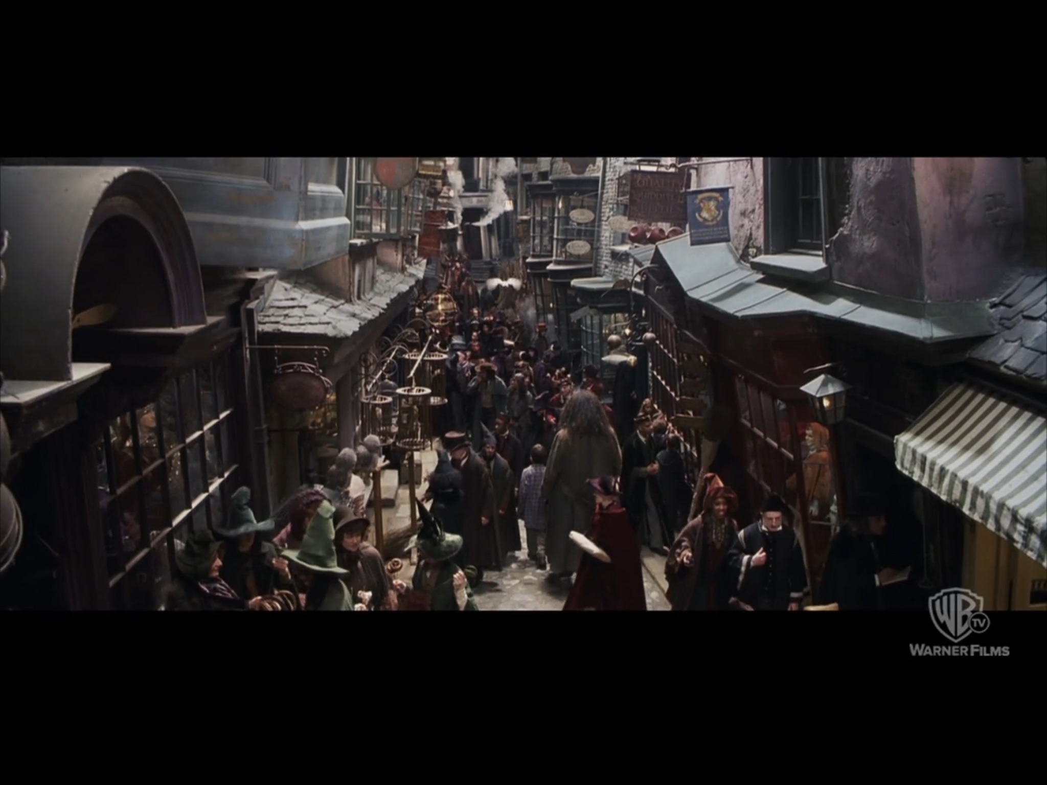 あらためて映画「ハリーポッター」第1作目を見たけど、素晴らしくクリエイティブだな。