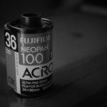 はじめてのモノクロフィルム。月曜日まで現像できないスローな感じがいい。