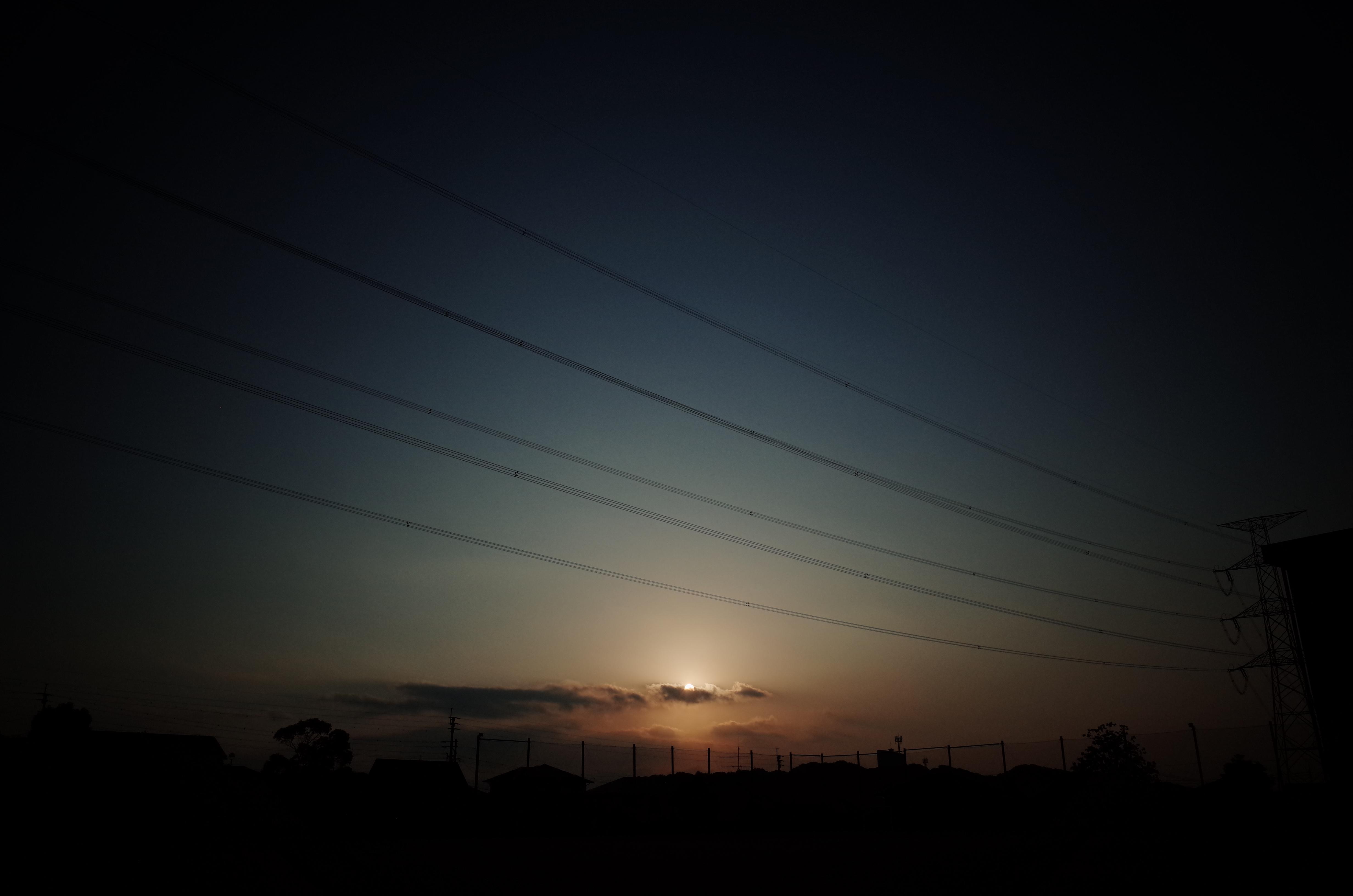 朝晩はRICOH GR、日中はKONICA C35。いまのところ。