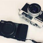 鞄の中にはいつも2つのコンパクトカメラが入っている。RICOH GR × KONICA C35