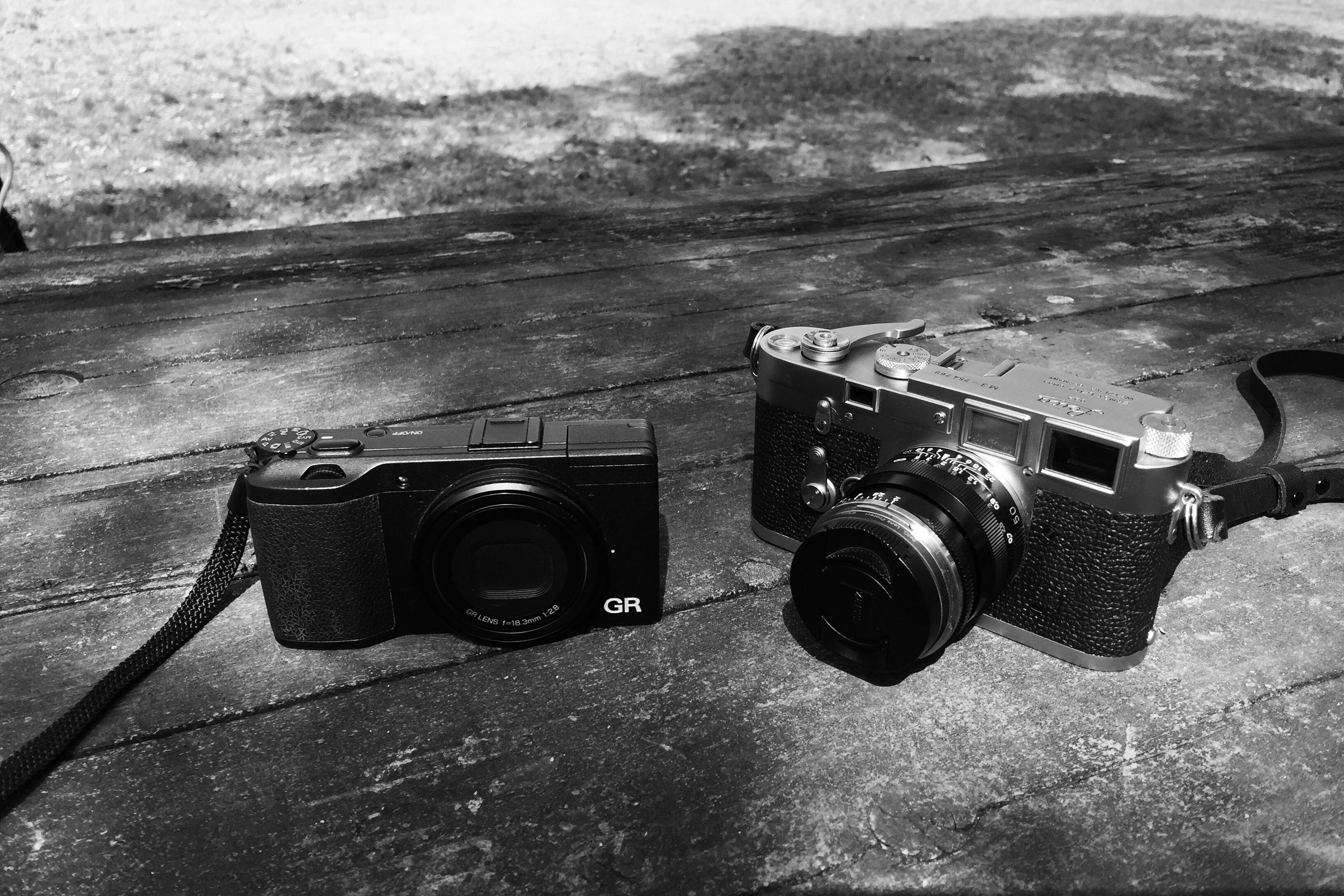 フィルムカメラとGRデジタルのいい関係。