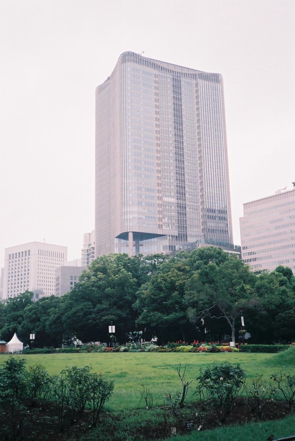 都市はフィルムで撮ると優しく、デジタルで撮ると力強くなったりする。