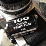 ヘッドホン×フィルムカメラなら、真冬の撮影も少しあったまる。