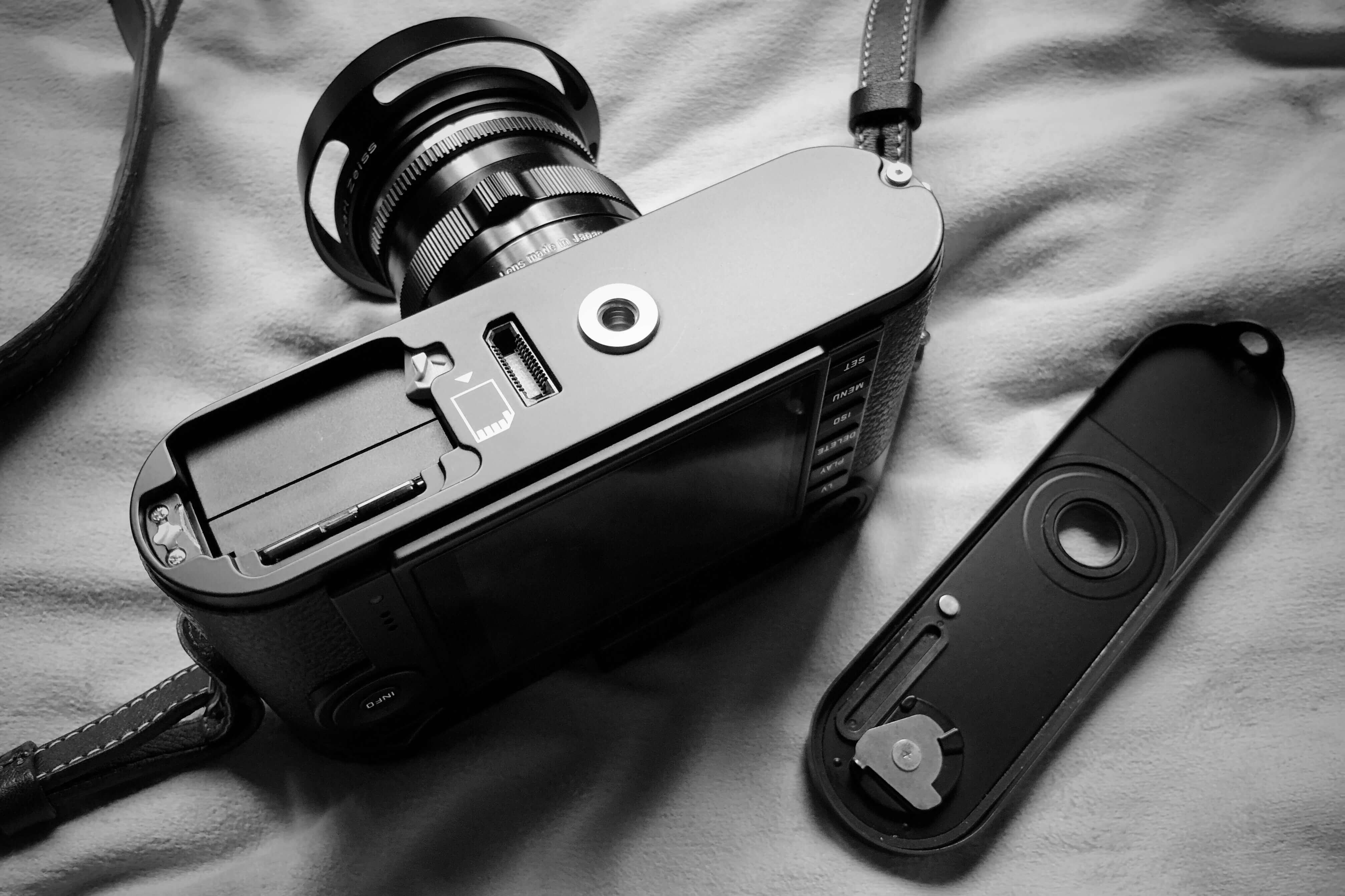 電池の持ちが素晴らしいのも、スナップシューターとしての証。Leica M-P typ240