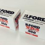 みんなのおかげで辿り着けた、カラー現像機のお店に出せるモノクロフィルム「イルフォードXP2 400」。